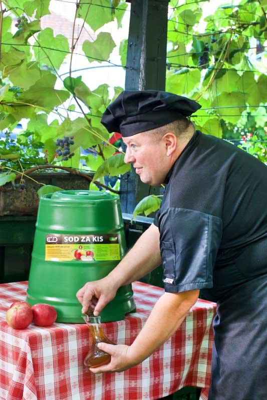 ROTO posude za ocat - kako napraviti domaći jabučni ocat